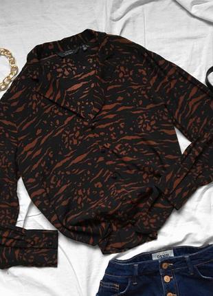 Невероятная шифоновая чёрная рубашка в принт от &other stories