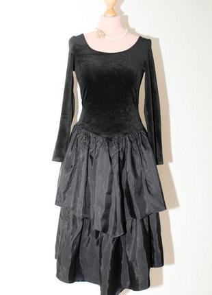Винтаж праздничное костюмерное  нарядное бархатное платье  ламбада с пышной двойной юбкой
