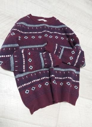 Бардовый тёплый свитер в принт шерсть