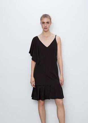 Асимметричное платье на один рукав одно плечо с воланами от zara