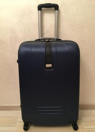 Дорожный чемодан валіза  очень прочный