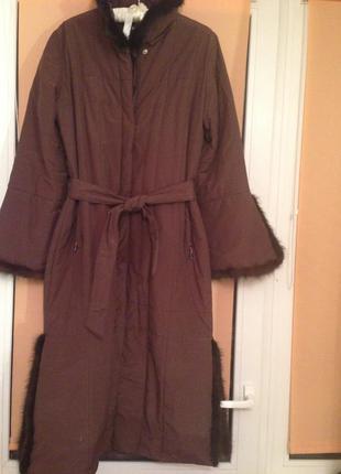 Пальто шоколадного цвета с норкой