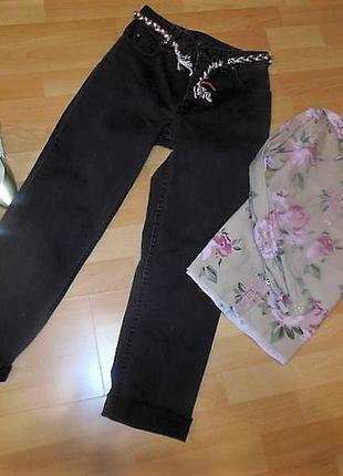 Стильные джинсы. оригинал. модель бойфренд с высокой посадкой