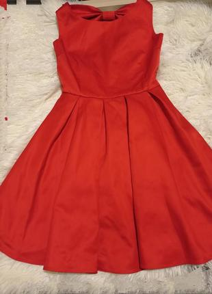 Красное платье от valentino