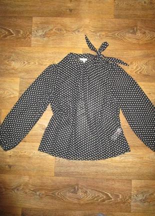 Эффектная блуза в мелкий горошек