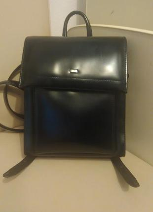 Стильный  рюкзачок из натуральной кожи
