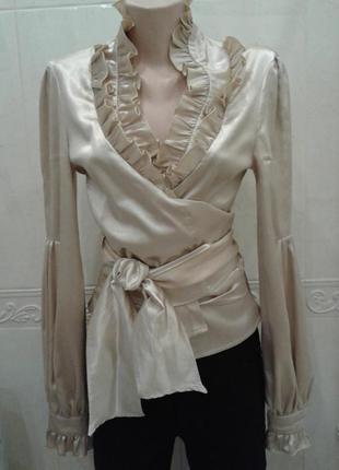 Нарядна блуза з рюшами