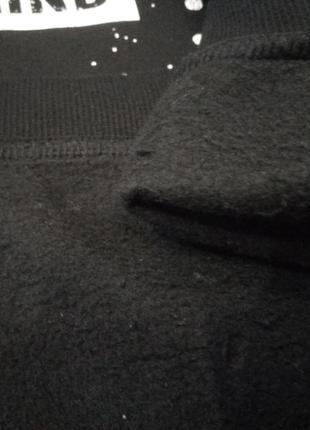 Черный с белым свитшот для мальчика4 фото