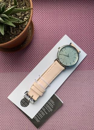Новые часы sinsay