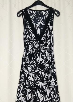 Шикарное вечернее платье в чёрный принт