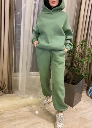 Женский стильный тёплый костюм флис база джогеры полубатал