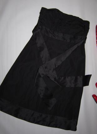 Элегантное платье бюстье с атласной отделкой