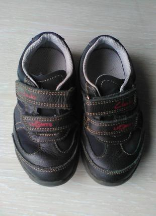 Туфли кожаные с мигалками clarks
