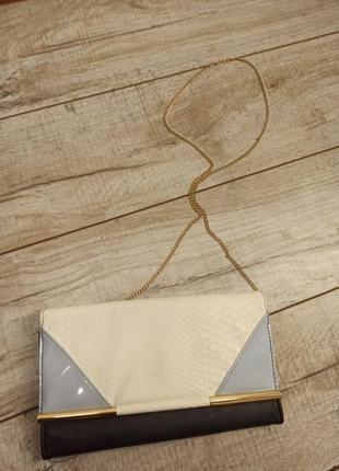 Клатч на цепочке сумка
