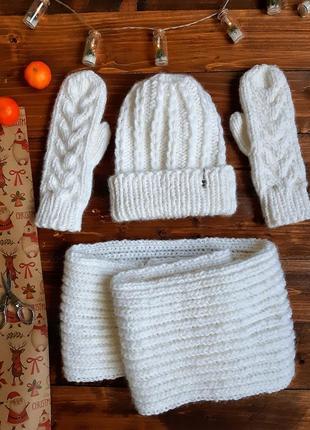 Комплект шапка, варежки і снуд в два обороти