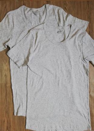 Комплект мужских нательных футболок светло-серого цвета хл