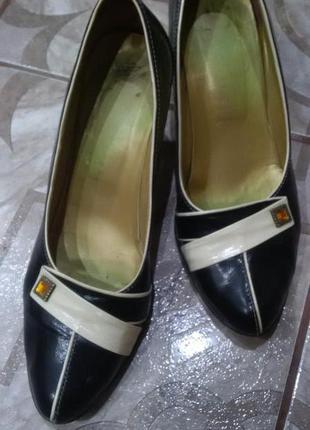 Елегантні туфельки 39р