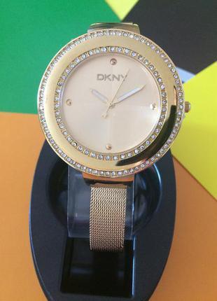 Женские часы :)