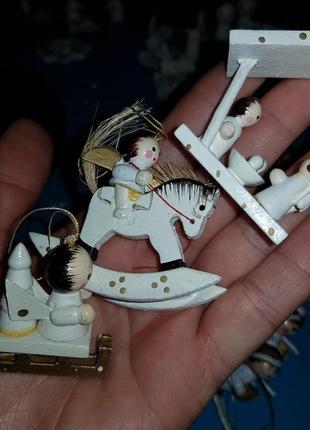 Деревянные новогодние игрушки,  ручная раскраска