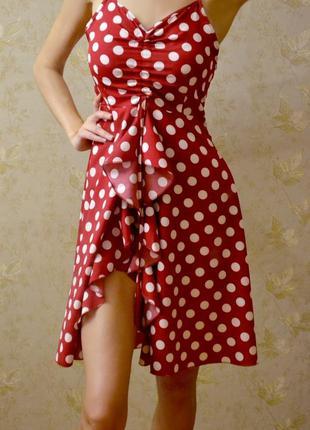 Красное платье в горох на бретельках, s