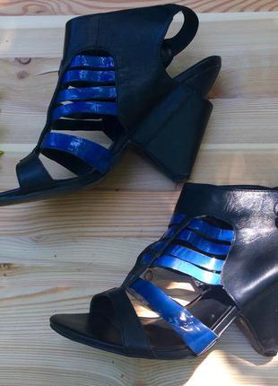 Босоножки clarks, удобный каблук
