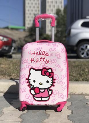Уценка! пластиковый чемодан миньон дисней / валіза пластикова дитяча