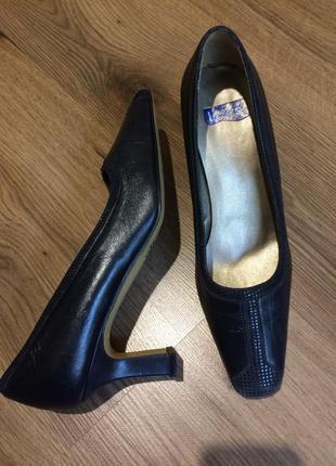 Обалденные синие туфли,мягкая натуральная кожа !!