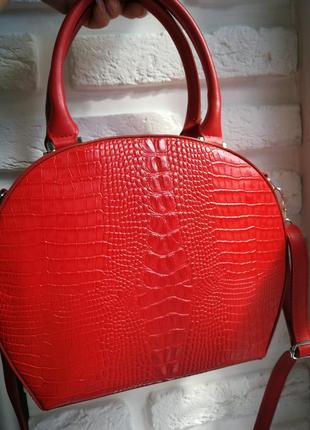 Красивая итальянская кожаная сумка