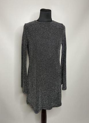 Новогоднее вечернее платье с блёстками terranova