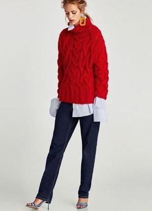 Яркий красный алый вязаный теплый свитер крупной вязки