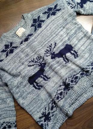 Шикарный свитер с оленями ;)