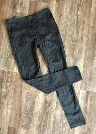Классические брюки с цветочным принтом