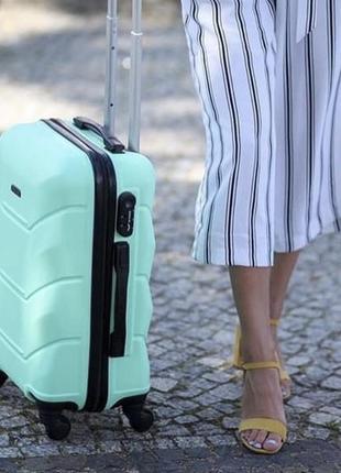 Дорожный чемодан wings мятного цвета
