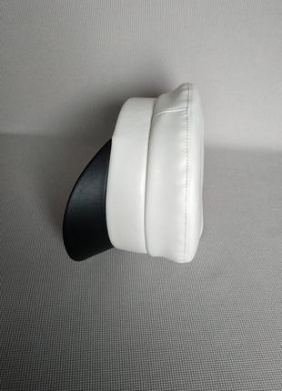 Кожаная кепи модные кепки фуражки кепi картуз кепка, фуражка стильная молочная