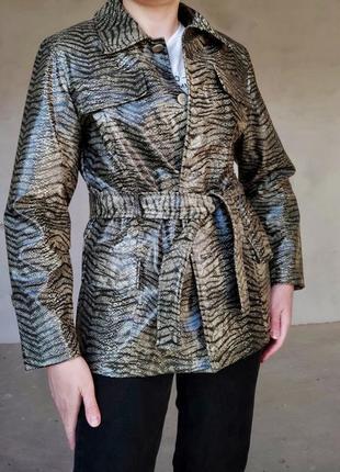 Куртка в анімалістичний принт