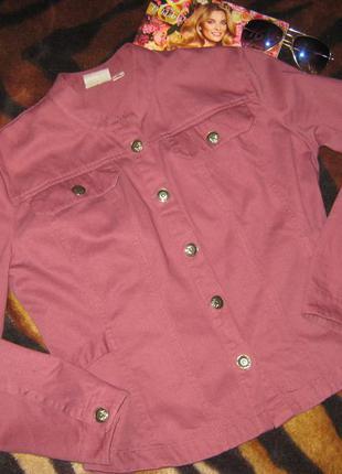 Модный фиолетовый джинсовый жакет