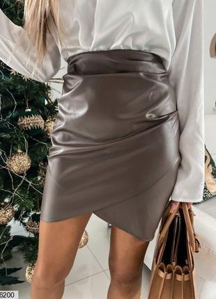 Стильная короткая юбка эко-кожа  в черном или коричневом цвете