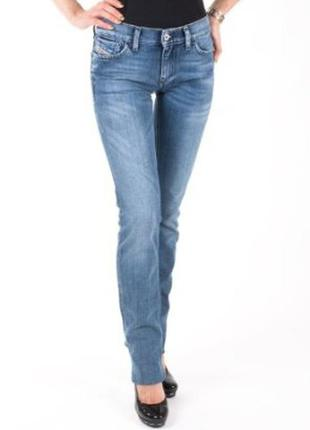 Новые джинсы diesel 25р