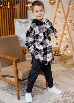Теплая рубашка в клетку с капюшоном для мальчика