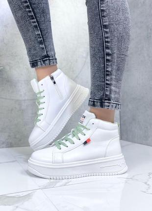 Женские белые зеленые кожаные высокие кроссовки кеды на платформе