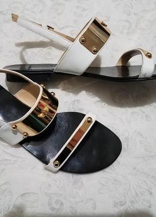 Miguel vieira дизайнерские босоножки 37 кожаные лаковые