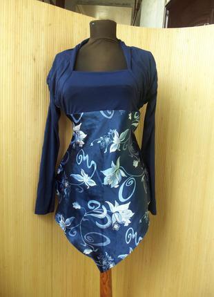 Оригинальная трикотажная блуза