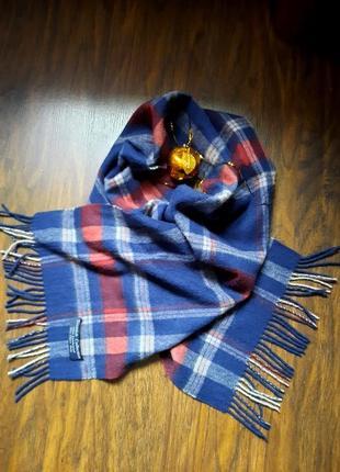 Очень красивый шерстяной шарф в клетку