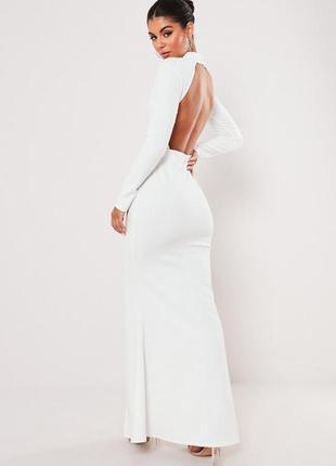 Белое платье в пол с открытой спиной , разрезом и горловиной
