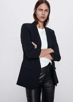 Базовый стильный черный удлиненный пиджак блейзер смокинг тренч от zara