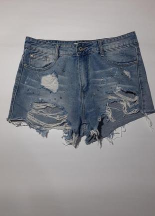 Стильные короткие враные джинсовые шорты