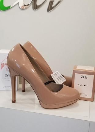 Лаковые туфли на высоком каблуке zara