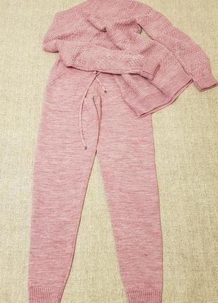 Теплый вязаный костюм шерстяной прогулочный спортивный розово лилово сиреневого цвета