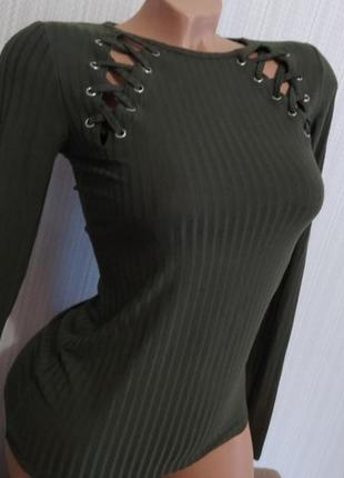 Лонгслив в рубчик цвета хаки со шнуровкой облегающий по фигуре кофта кофточка