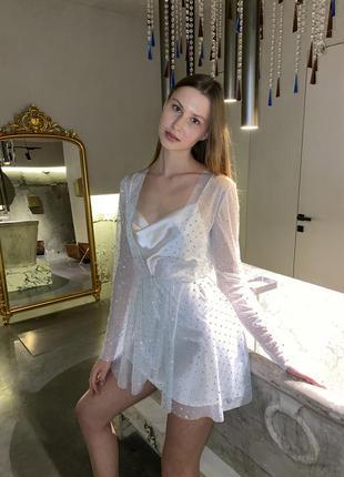 Новогоднее белое платье с камнями swarovski